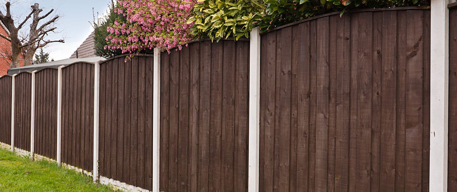 Cheltenham Fence install R lugg Landscaping and gardening